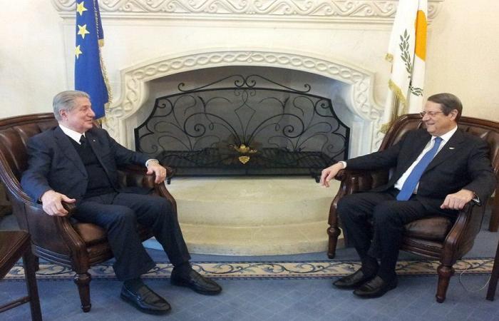 الجميل ورئيس قبرص: لمجموعة عمل تعنى بالحوار بين الدول