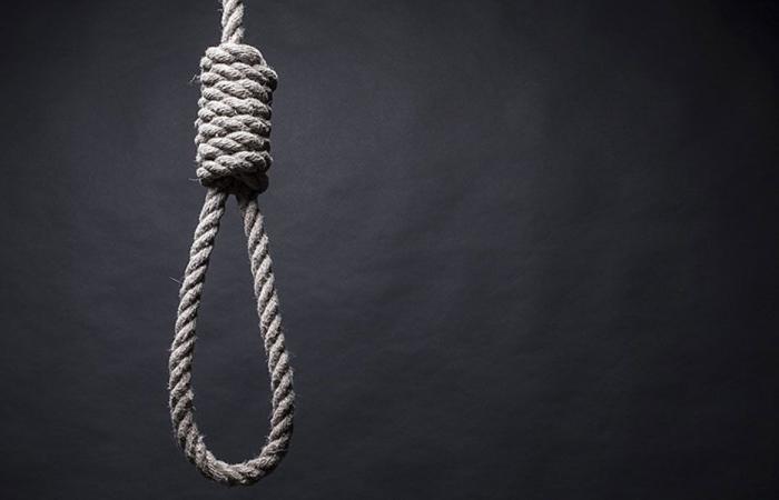 «عدّاد الانتحار» يفتح «الخط الساخن»