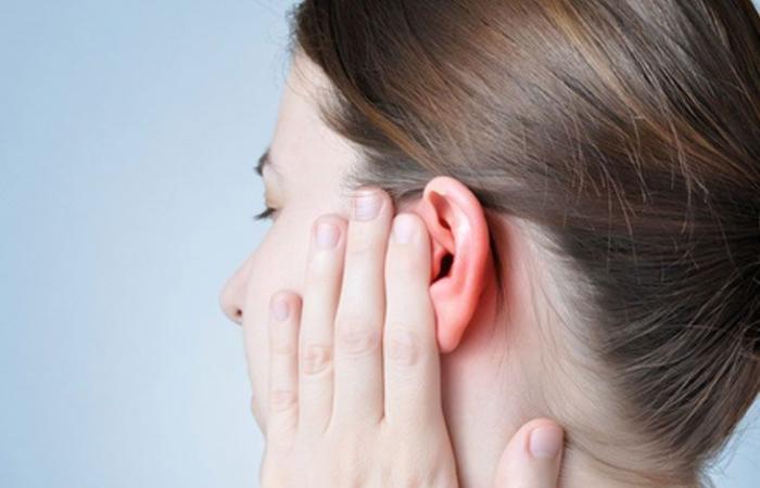 هز الرأس لإخراج الماء من الأذنين قد يسبب إصابات دماغية