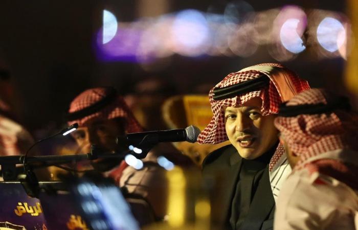 """محمد عبده يتجلى طرباً في """"سمرات الثمامة"""" بالرياض"""
