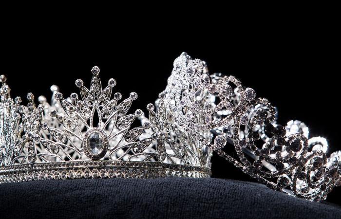 """عمرها 37 عاما وأمّ لـ 4 أطفال.. روسية تحصد لقب """"ملكة جمال المتزوجات""""!"""