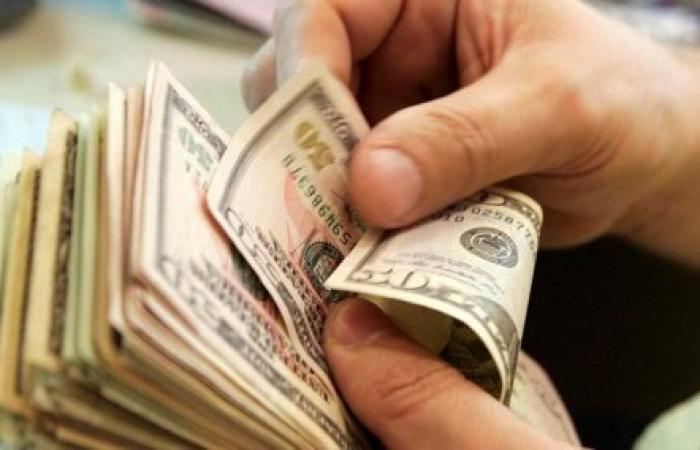 هل علينا الحَذَر من انتشار الدولار المزوّر؟