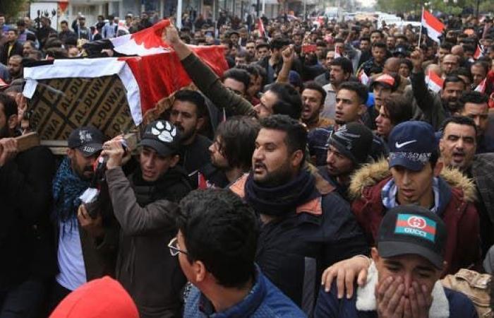 العراق | كربلاء تغلق أبوابها.. وجسور بغداد في قبضة المحتجين