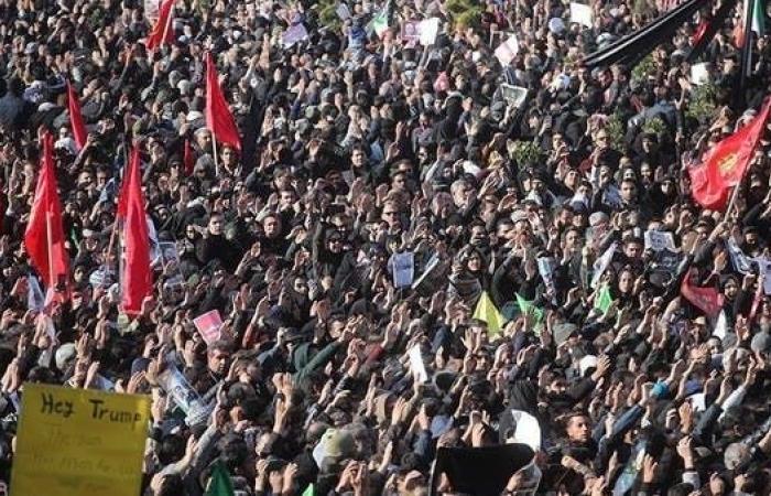 إيران   فيديو.. 35 قتيلاً بتدافع خلال جنازة سليماني في كرمان
