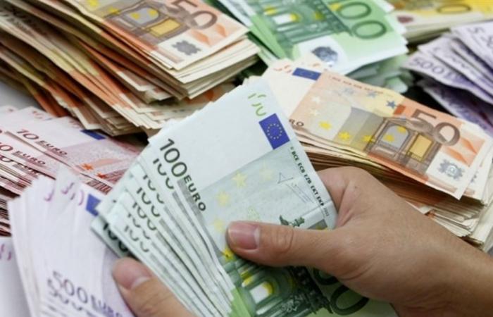 هل يوقِف لبنان التعامل بالدولار لصالح اليورو؟