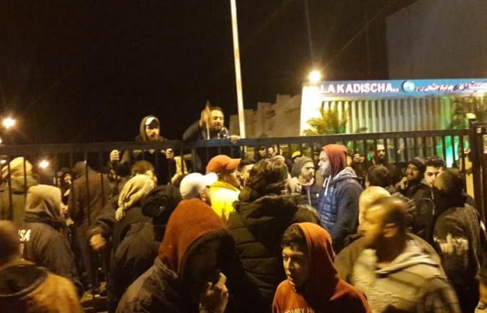 بالصور والفيديو- محتجون دخلوا شركة كهرباء قاديشا