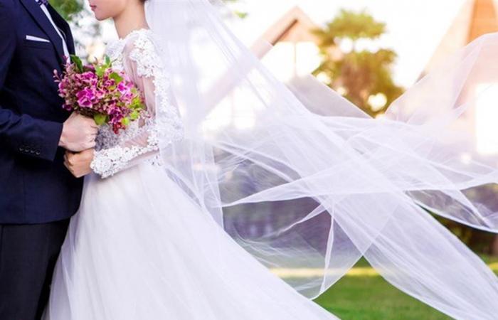 فنانة عربية تفاجئ الجميع بزفافها.. اطلالة ناعمة وفستان بسيط (فيديو)