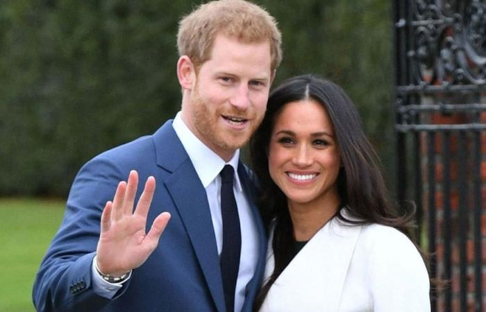 لماذا استخدم هاري وميغان صورة الخطوبة للإعلان عن التّنازل الملكي؟