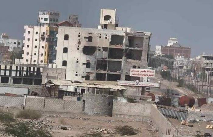 اليمن   الحديدة.. ميليشيات الحوثي تستهدف المدنيين وتواصل حفر الخنادق