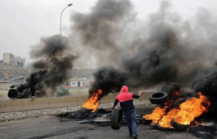 طرابلس تعتصم.. احتجاجاً على انقطاع التيار الكهربائي