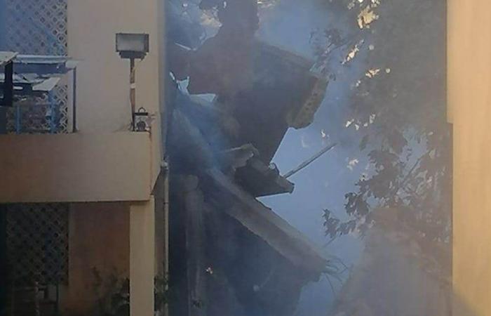 """الدفاع المدني يعمل على إخماد حريق معمل """"ميموزا"""""""