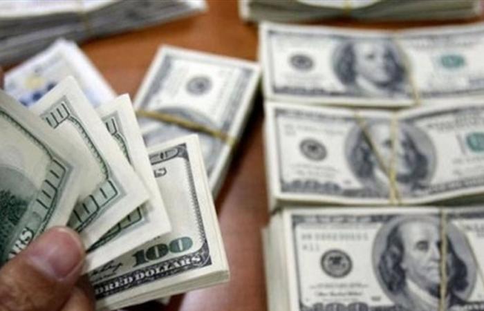 هيمنة الدولار ستنتهي قريباً.. دول عدة خففت اعتمادها عليه
