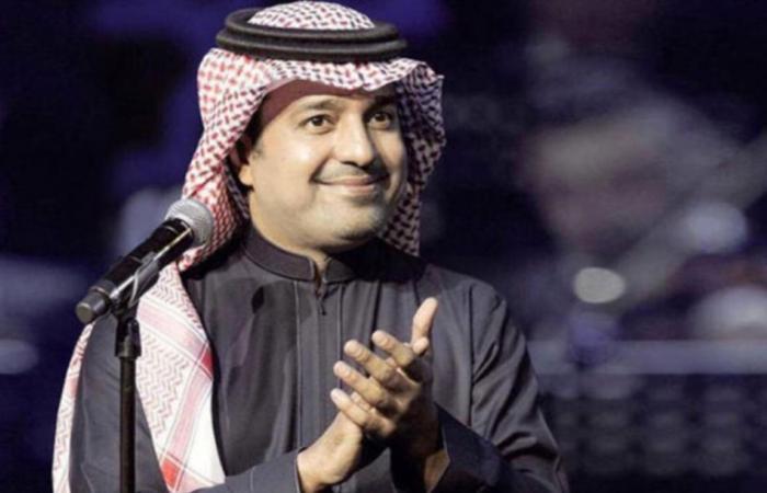 """راشد الماجد يرقص على أغنية """" سألنا عنك"""" في حفله بـ """"سمرات الرياض"""""""
