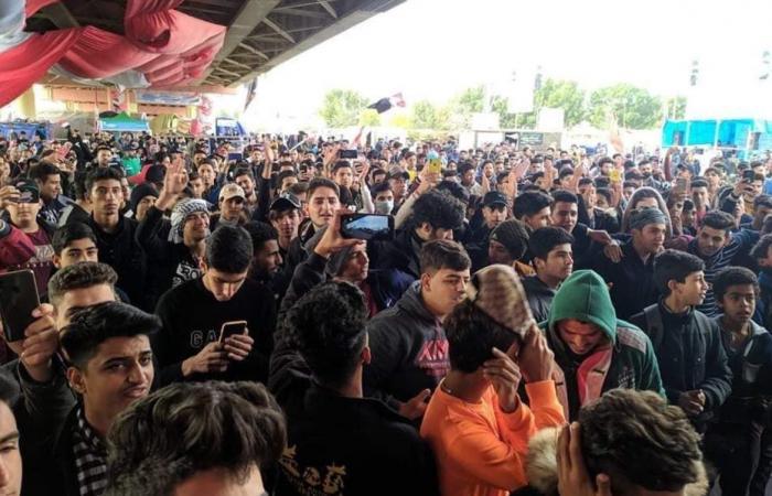 العراق | مليونية في العراق.. بدء توافد المحتجين إلى ساحة التحرير