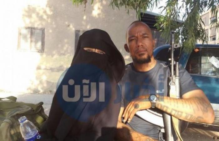 صور على الهاتف تفضح ألمانية وتكشف علاقاتها بقادة داعش!