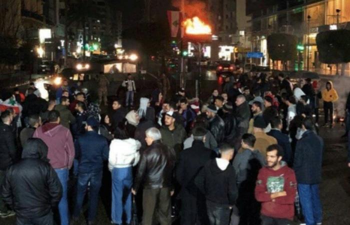 في صيدا.. إضاءة شعلة انطلاق الثورة في مستديرة إيليا