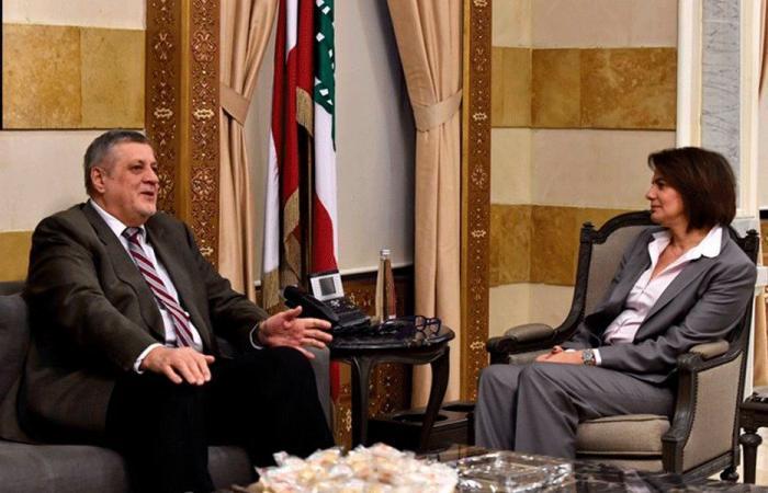 الأوضاع السياسية بين الحسن وكوبيش