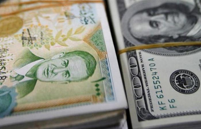 'عقدة الدولار' تفرغ جيوب السوريين.. إليكم سعره الجديد!