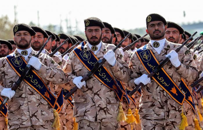 إيران   الحرس الثوري يرد على قيادي سابق حول دية سليمان