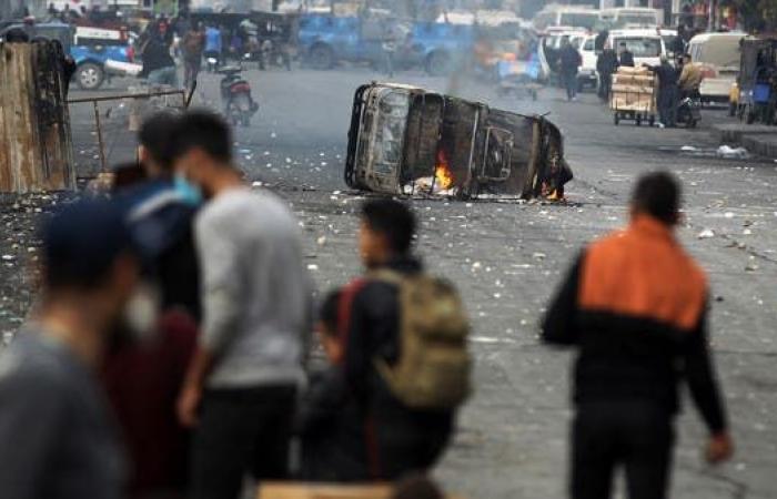 العراق | تجدد الاشتباكات وسط بغداد.. ودعوات لإقالة مسؤولين جنوباً