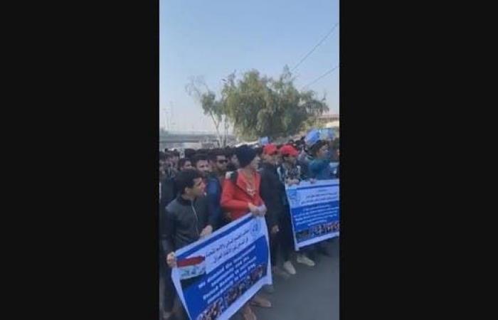العراق | هتافات ضد العامري والصدر وذيول إيران في كربلاء (فيديو)