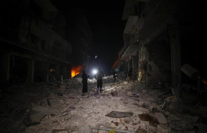 سوريا   جثث تحت الأنقاض.. مقتل 10 مدنيين بضربات روسية على إدلب