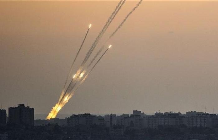فلسطين | إطلاق صاروخ جديد والاحتلال يهدد غزة