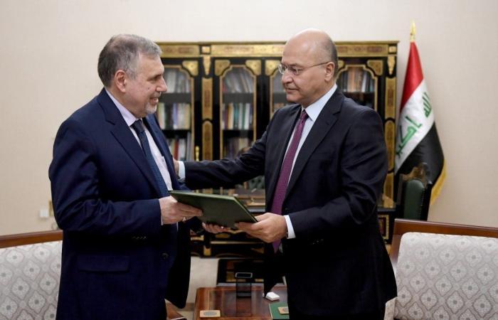 العراق   العراق.. علاوي يدعو المحتجين للحوار ويطالب باستمرار الحراك