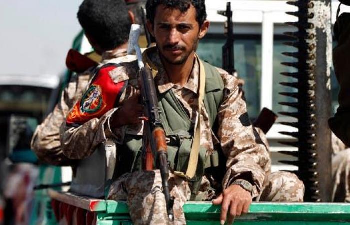 اليمن   شاهد.. خسائر قاسية للميليشيات الحوثية بالحديدة وغرب تعز