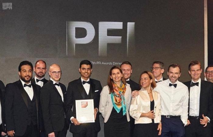 الخليج | جائزة عالمية لمشروع دومة الجندل لطاقة الرياح