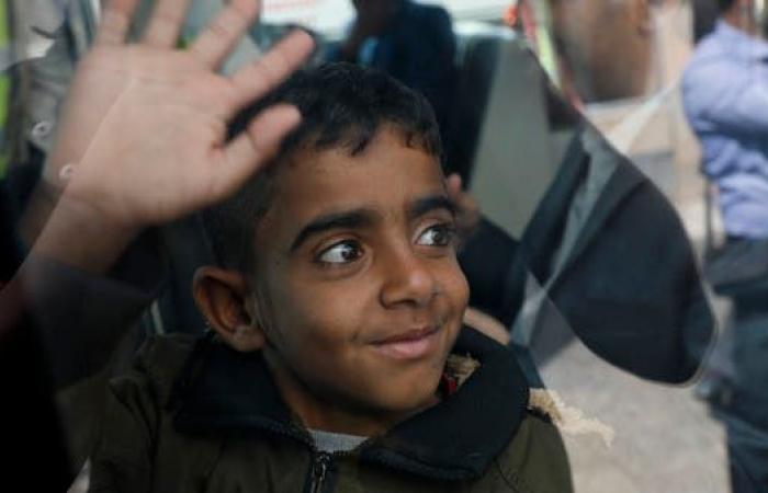 اليمن   بعد تعثرها.. طائرة أممية تجلي ثاني دفعة من مرضى صنعاء