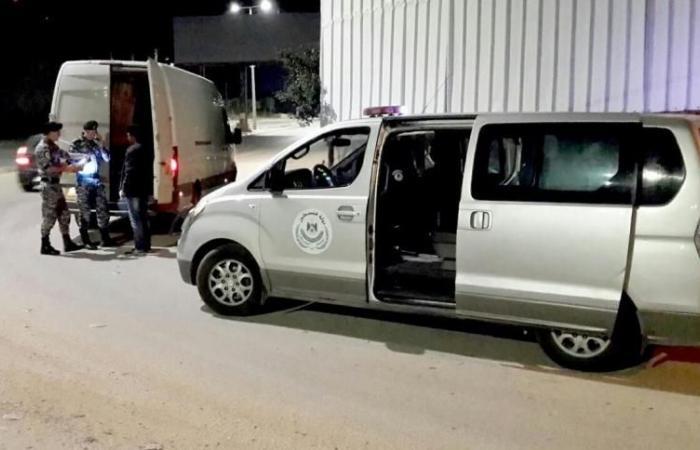 فلسطين | ضبط محاولة تهريب شاحنتي فراولة وبرتقال اسرائيلي للسوق الفلسطينية