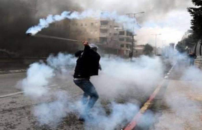 فلسطين | إصابات بالاختناق خلال مواجهات شمال الخليل