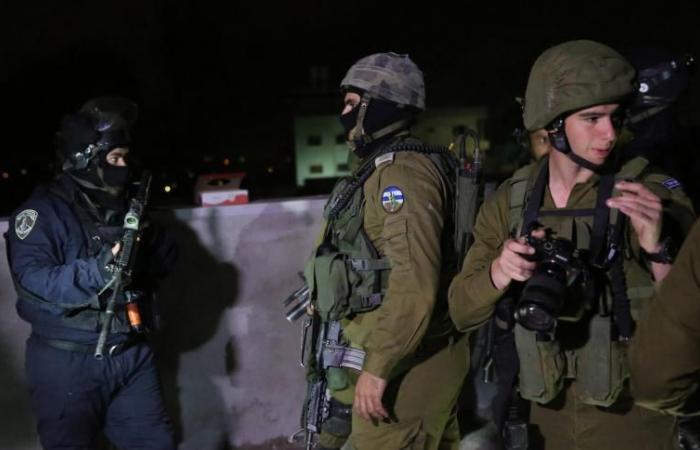فلسطين | اعتقال 4 مواطنين بينهم فتى