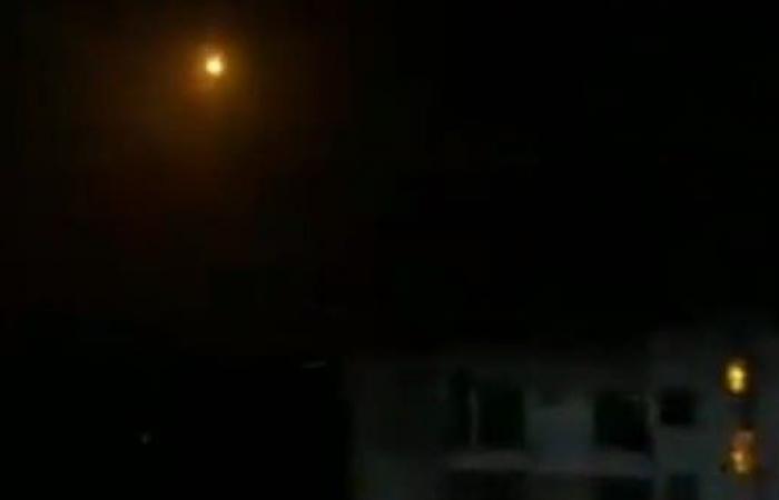 سوريا | قصف إسرائيلي يستهدف مخازن أسلحة في محيط دمشق