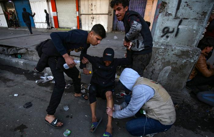 العراق | العراق.. مقتل متظاهر بالتحرير و23 إصابة بالخلاني