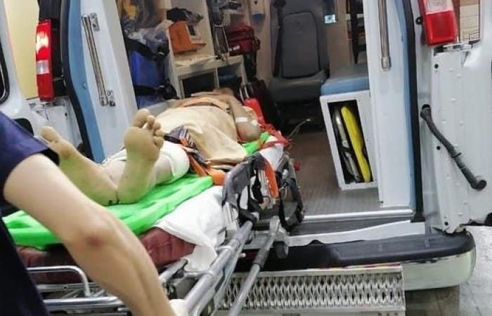 الخليج | بالصور.. وصول جرحى الجوف اليمنية إلى مستشفيات السعودية