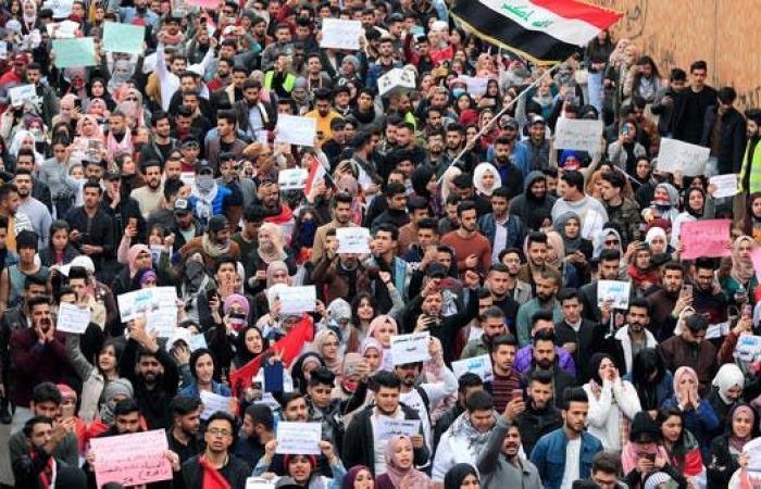 العراق | محافظات العراق المنتفضة جنوباً.. الأكثر فقراً سئموا