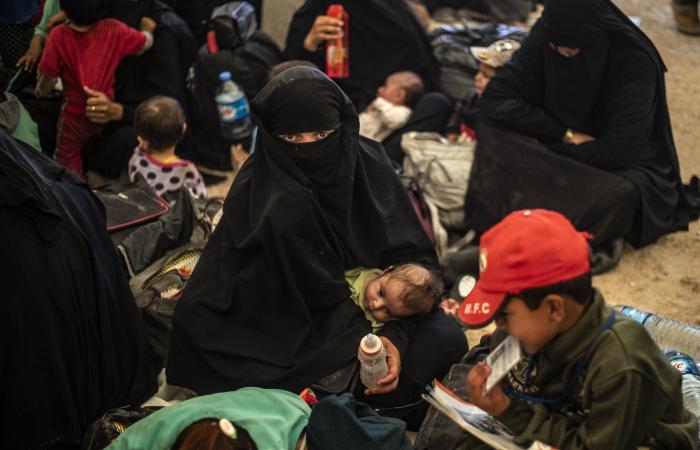 العراق | ابنة الـ11عاما عادت.. معاناة طفلة عراقية خطفها داعش