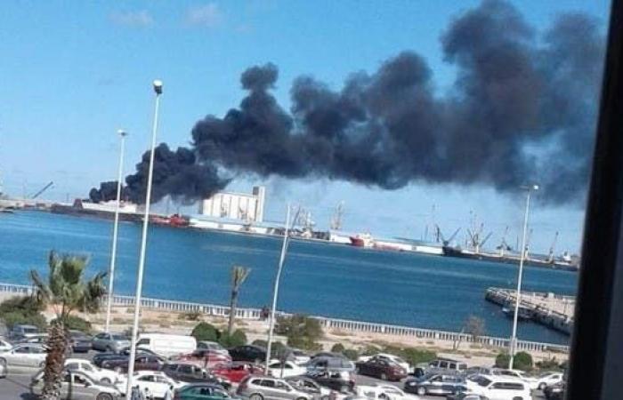 طرابلس.. أنباء عن استهداف سفينة تركية تحمل أسلحة