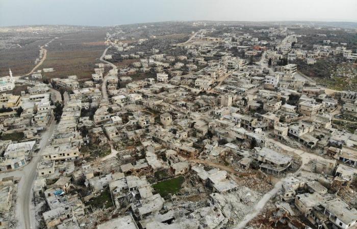 سوريا | بمشاركة روسيا وتركيا.. ماكرون يطالب بعقد قمة حول سوريا