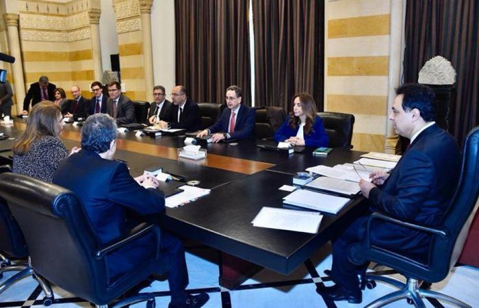 وفد صندوق النقد يستكمل اجتماعاته الداعمة للخطة الإنقاذية