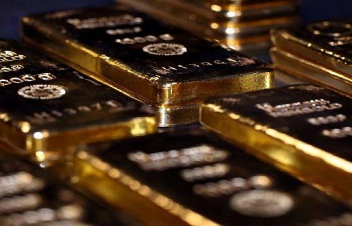 الذهب يبلغ أعلى مستوياته في سبع سنوات