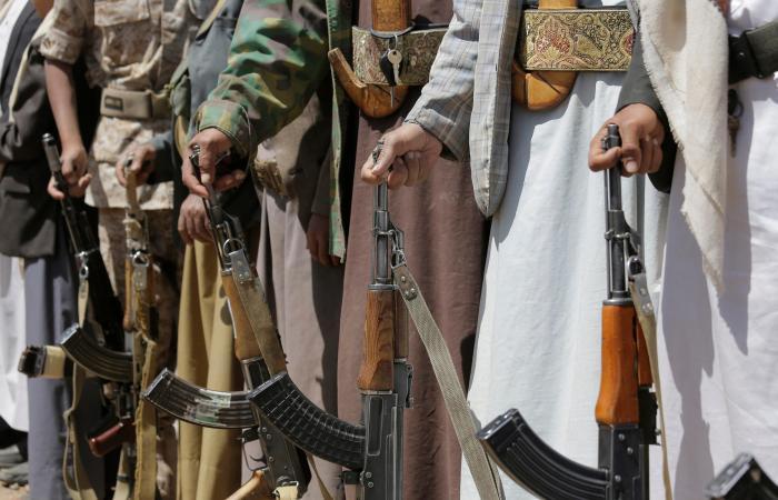 اليمن | الإرياني: صواريخ الحوثي دليل على تدفق الأسلحة من إيران