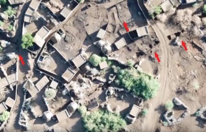 اليمن   شاهد.. الحوثي يحول منازل المواطنين بالحديدة لثكنات عسكرية