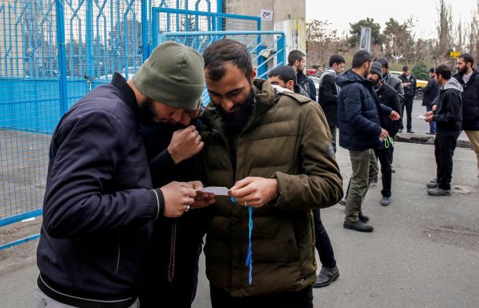 إيران | خامنئي: الإعلام الأجنبي حرض الناخبين على عدم المشاركة بالانتخابات