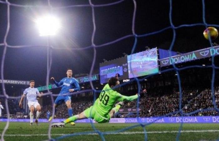 يوفنتوس يعزز صدارته للدوري الإيطالي في المباراة رقم 1000 لرونالدو