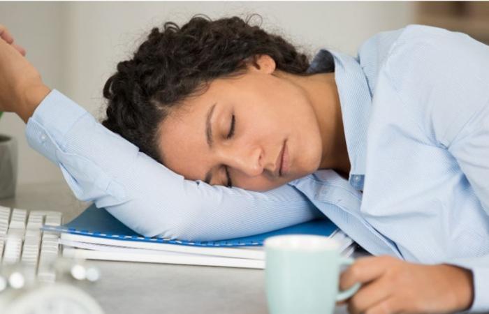 هل تنامون بشكل فجائي خلال النهار.. اذا أنتم تعانون من هذه الحالة