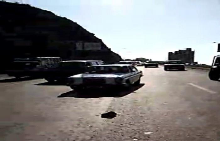بالفيديو: قطع طريق اوتستراد البالما بالإتجاهين