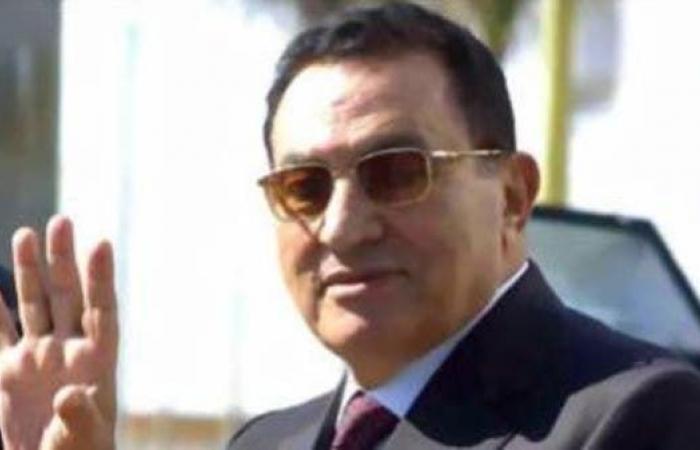 عباس يشيد بمواقف مبارك في دعم القضية الفلسطينية